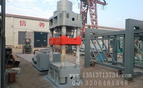 1000吨jin属屑压块机